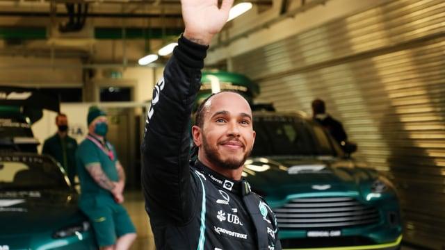 Hamilton macht die 100 voll und ist neuer WM-Leader