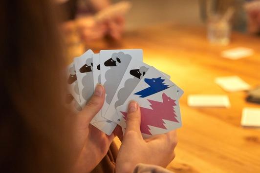 Mit Wolf und Schaf: rasantes neues Schweizer Kartenspiel