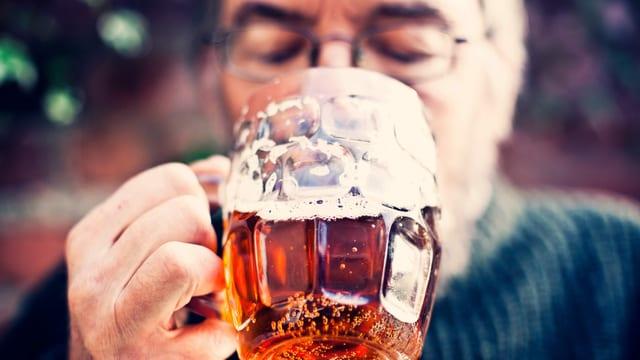 Schweizer Bier ist einen Schluck älter als vermutet