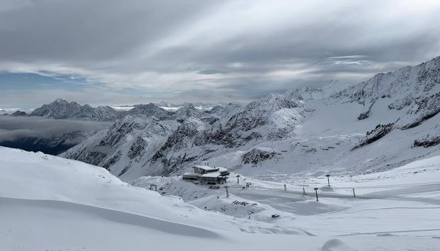 Winterstart am Stubaier Gletscher: Erste Anlagen seit 8.10. geöffnet