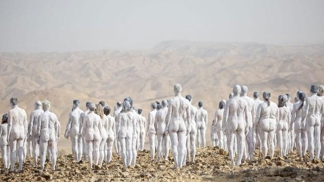 Hingucker mit Hintersinn: 200 Nackte posieren am Toten Meer