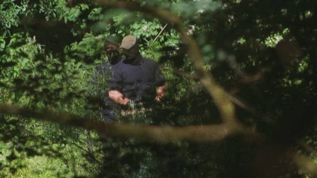 Video-Beweis: Kroatische Polizisten prügeln Migranten aus der EU
