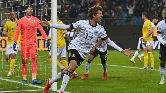 Thomas Müller trifft spät zum Sieg